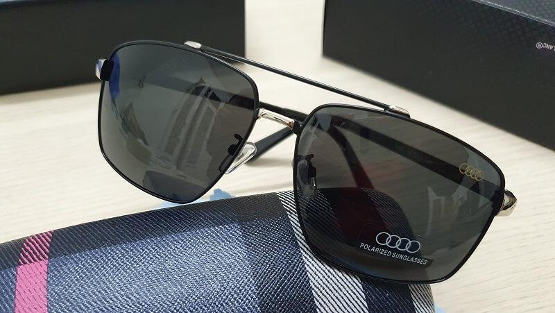 Kính mát Audi